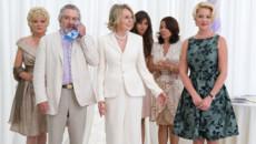 Не пропустите в мае комедии о свадьбах, переездах и блондинках