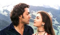 "<a href=""http://indiatv.ru/films/30518"">Жених-самозванец</a>"