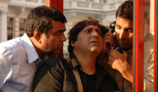 "<a href=""http://indiatv.ru/films/30719"">В бегах</a><small>Комедия</small>"