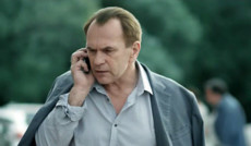 "<a href=""http://www.serialtv.ru/serials/30522"">На глубине, серия 14</a><small>Криминал, Мелодрама, Детектив</small>"