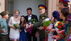 """<a href=""""http://comediatv.ru/films/36728"""">Разрешите тебя поцеловать на свадьбе</a>"""