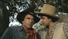 "<a href=""https://www.indiatv.ru/films/44257"">Как три мушкетера</a>"