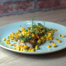 Треска c жареными зернами кукурузы