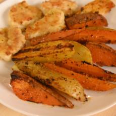 Куриные наггетсы с запеченными овощами