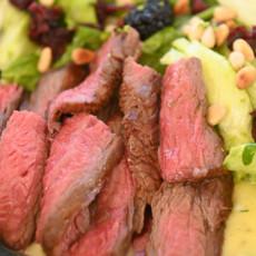 Салат с фланк-стейком