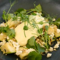 Хрустящие кабачки с брынзой и печеные баклажаны с муссом из сыра Чечил