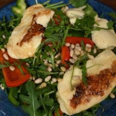 Салат с жареным адыгейским сыром