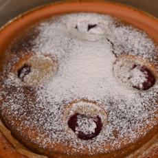 Молочный пирог со сливами