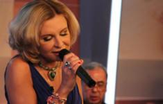 Слушайте любимые песни на телеканале «Ля-минор ТВ»