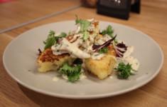 Картофельные котлеты с белыми грибами и соусом из лисичек