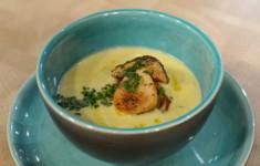 Суп-крем из картофеля и лука-порея с белыми грибами и ароматом трюфеля