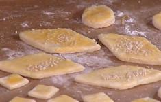 Сырные печенья