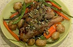 Бараньи голяшки с овощным гарниром