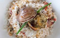 Запечённые моллюски с ризотто на белом вине и бульоне от моллюсков