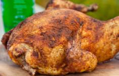 Курица на пивной банке