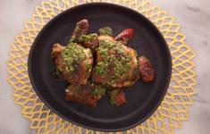 Барбекю из курицы и чоризо с чимичурри