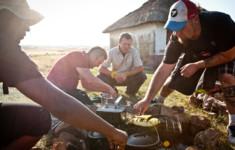 Кулинарные премьеры и лучшие программы июня на телеканале «Кухня ТВ»