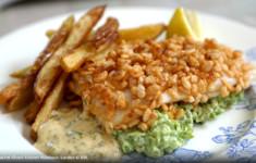 Хрустящая рыба с мятно-гороховым пюре