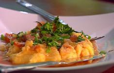 Мамалыга с мясным соусом