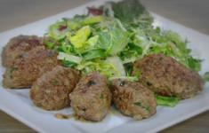 Люля из говядины с зеленым салатом