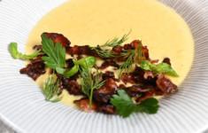 Суп-пюре из кукурузы с хрустящим беконом