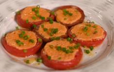 Яйца в томатах