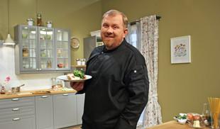 Проведите незабываемый кулинарный месяц вместе с Константином Ивлевым и каналом «Кухня ТВ».