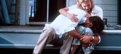 Голая Попа Шон Янг – Преступная Любовь (1991)