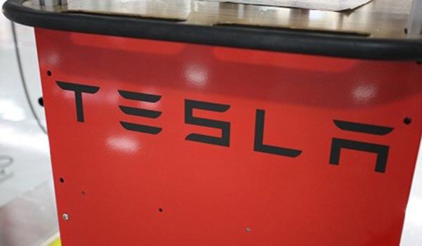 Мегазаводы. Электромобиль Tesla