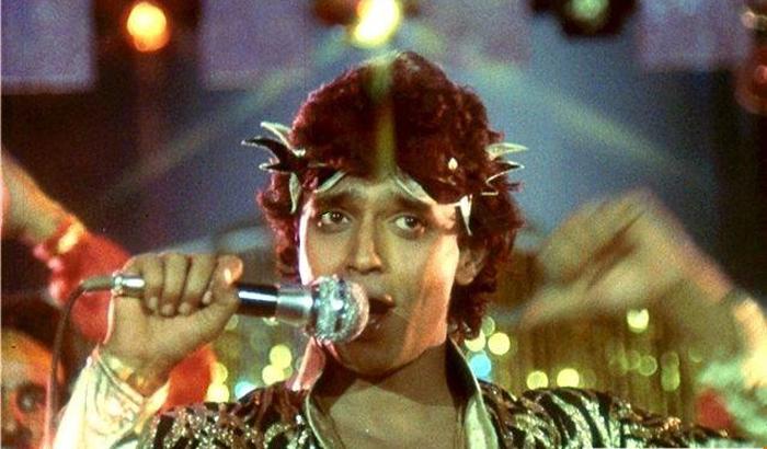 """<a href=""""https://www.indiatv.ru/films/55191"""">Танцор диско</a>"""